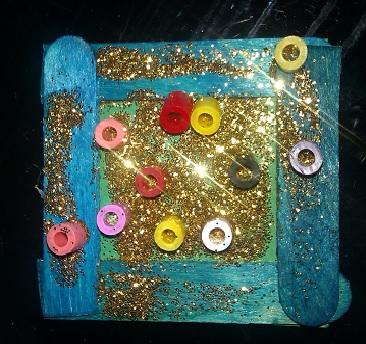 Frosseri med glitter och pärlor