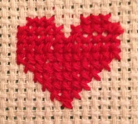 Hjärta med korsstygn och mönster till Alla hjärtans dag