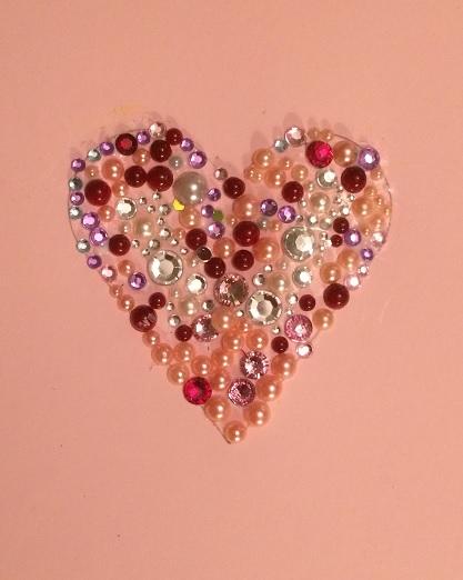 Hjärta enbart gjort av pärlor
