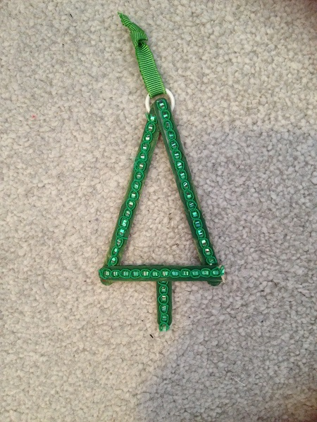 Julgranspyssel med glasspinnar