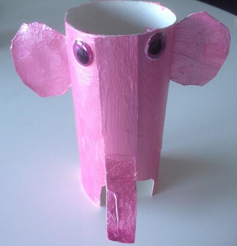 rosa elefant av toarulle