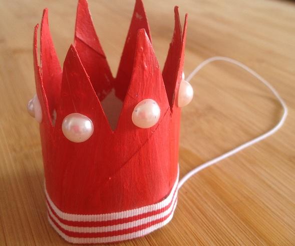vi gör en prinsesskrona av en toarulle
