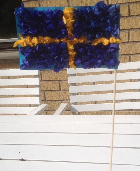 svenska flaggan av silkespapperstussar
