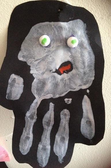 gör ett spöke av ett handavtryck