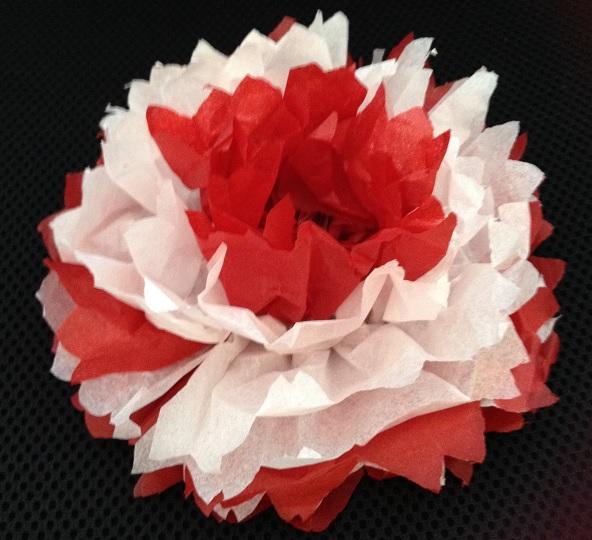 Röd och vit näckros av silkespapper