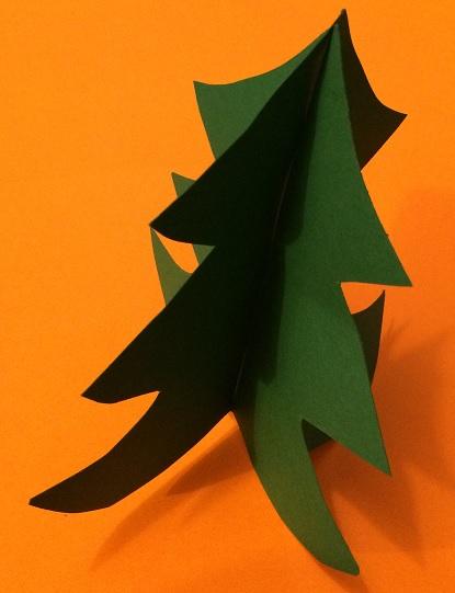 Julgran i två delar av papper
