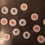 bokstäver av mjölkkorkar