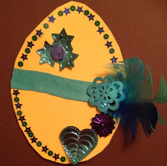 Pillrigt dekorerat påskkort