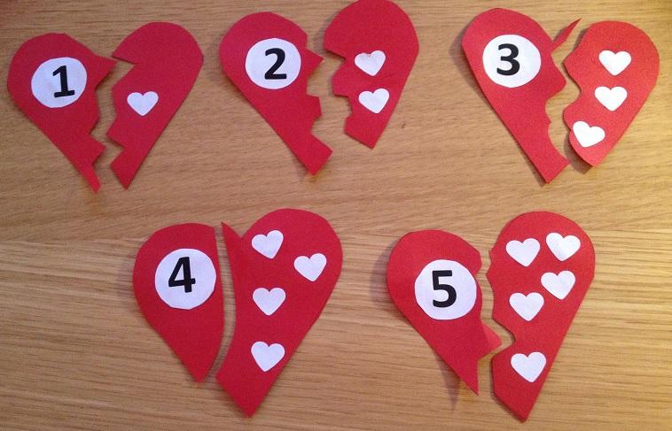 Pussel i hjärtform med siffror