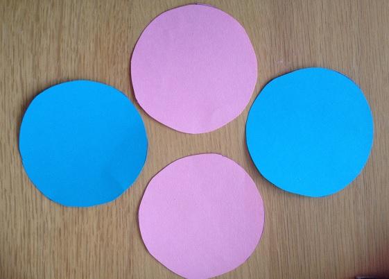 Kuvert av fyra cirklar